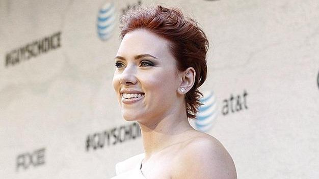 Scarlett-Johansson-cambia-de-look