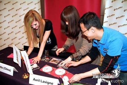 avril-lavigne-lotto-2
